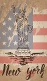 Etiqueta de New York com a mão tirada a estátua da liberdade Ilustração Stock