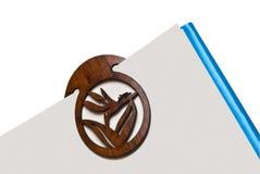 Etiqueta de plástico de libro en la paginación imagen de archivo libre de regalías