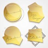 Etiqueta del oro del sistema 4 con el texto negro Etiquetas realistas elegantes Imágenes de archivo libres de regalías