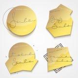 Etiqueta del oro del sistema 4 con las ventas negras del texto para la tienda Fotografía de archivo libre de regalías