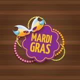 Etiqueta do carnaval do carnaval de Nova Orleães do vetor com máscara e texto no fundo de madeira da parede partido do carnaval d Imagem de Stock Royalty Free