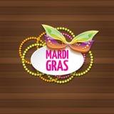 Etiqueta do carnaval do carnaval de Nova Orleães do vetor com máscara e texto no fundo de madeira da parede partido do carnaval d Fotografia de Stock Royalty Free