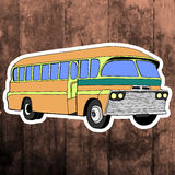 Etiqueta do pop art Mão que tira o ônibus retro Vetor Fotos de Stock Royalty Free