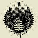 Etiqueta engomada en la camisa la imagen de una guitarra del ala Fotos de archivo libres de regalías