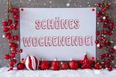 A etiqueta, flocos de neve, bolas do Natal, Schoenes Wochenende significa o fim de semana feliz Fotos de Stock Royalty Free
