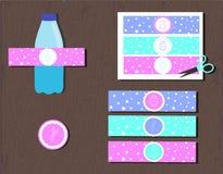 Etiqueta imprimible de la botella de agua para la caza del huevo de Pascua del partido conejito y corazones de las siluetas del v stock de ilustración