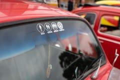 Etiqueta no carro de volkswagen fotografia de stock royalty free