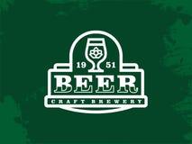 Etiqueta profissional moderna para uma cerveja do ofício Foto de Stock