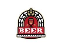 Etiqueta profissional moderna para uma cerveja do ofício Imagem de Stock