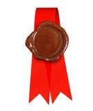 Etiqueta roja con la cera del sello Foto de archivo libre de regalías