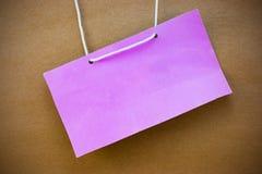 Etiqueta rosada del nombre del estilo del vintage en la ilustración de papel de madera del fondo Imagen de archivo libre de regalías