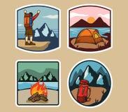 Etiqueta simples de acampamento exterior Fotos de Stock Royalty Free