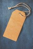 Etiqueta vacía del papel marrón de la mezclilla fotografía de archivo libre de regalías