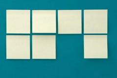 Etiquetas amarelas no fundo de papel velho Foto de Stock Royalty Free