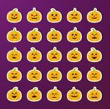 Etiquetas da abóbora de Dia das Bruxas com as emoções diferentes ajustadas Fotos de Stock