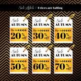 Etiquetas da venda no fundo geométrico dourado Imagem de Stock