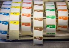 Etiquetas de fecha de la comida Imagen de archivo