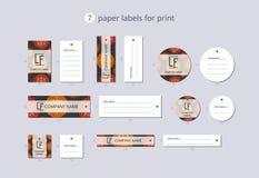 Etiquetas de papel da roupa do vetor para a cópia com a bola alaranjada e vermelha do teste padrão do Natal Fotos de Stock Royalty Free