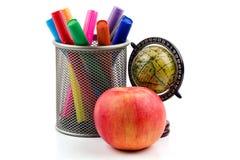 Etiquetas de plástico, manzana y globo Fotos de archivo