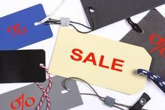 Etiquetas de preço diferentes, VENDA do texto Foto de Stock