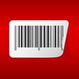 Etiquetas del código de barras en fondo rojo Fotos de archivo