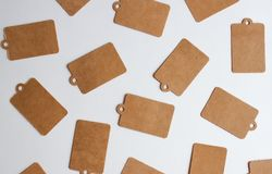 Etiquetas del regalo de Kraft fotos de archivo libres de regalías