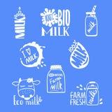 Etiquetas dibujadas mano de la leche para su diseño ilustración del vector