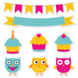 Etiquetas do aniversário ajustadas ilustração royalty free