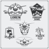 Etiquetas do curso do avião, emblemas, crachás e elementos do projeto Estilo do vintage Fotografia de Stock
