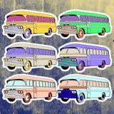 Etiquetas do pop art ajustadas Mão que tira o ônibus retro Imagem de Stock Royalty Free