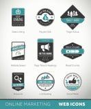 Etiquetas e crachás em linha do mercado com ícones Imagens de Stock Royalty Free