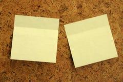 Etiquetas engomadas amarillas. imagenes de archivo