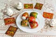 Etiquetas engomadas blancas de Pascua adornadas en el estilo de Khokhloma Imagen de archivo