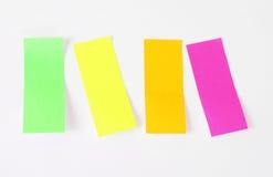 Etiquetas engomadas de la etiqueta de plástico de la paginación Foto de archivo