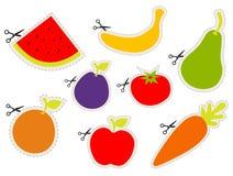 Etiquetas engomadas de la fruta con las tijeras Foto de archivo