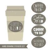 Etiquetas engomadas del café fijadas Taza de café, taza de café para llevar, etiquetas engomadas redondas Foto de archivo
