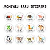 Etiquetas engomadas mensuales del bebé para las niñas y los muchachos Animales lindos de la historieta libre illustration