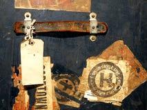 Etiquetas engomadas y escrituras de la etiqueta del caso del recorrido de la vendimia Fotos de archivo