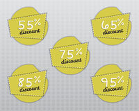 Etiquetas engomadas y etiquetas de la venta con venta hasta 55 - 95 ilustración del vector