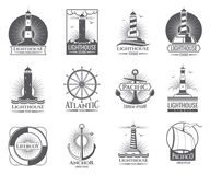 Etiquetas náuticas del vintage con la casa ligera, el barco de mar y las anclas Logotipos de Old Navy fijados Foto de archivo libre de regalías