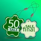 Etiquetas verdes da venda dentro  Fotografia de Stock