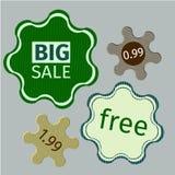Etiquetas verdes da venda dentro  Fotos de Stock