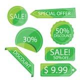 Etiquetas verdes do disconto da coleção, isoladas no branco Foto de Stock