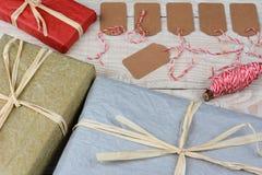 Etiquetas y presentes del regalo Imágenes de archivo libres de regalías
