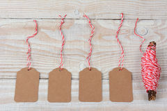 Etiquetas y secuencia en blanco del regalo Imágenes de archivo libres de regalías
