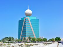 Etisalat大厦在哈伊马角阿联酋/阿拉伯联合酋长国 库存图片