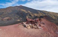 etna火山口横向  图库摄影