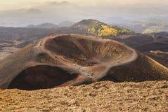 Etna火山火山口在西西里岛,意大利 库存图片