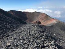 Etna火山火山口在西西里岛 免版税库存照片