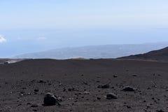 Etna -最高的活火山的一个印象深刻的看法在欧洲 位于在西西里岛 图库摄影